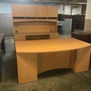 Maverick Desk & Credenza w/Hutch