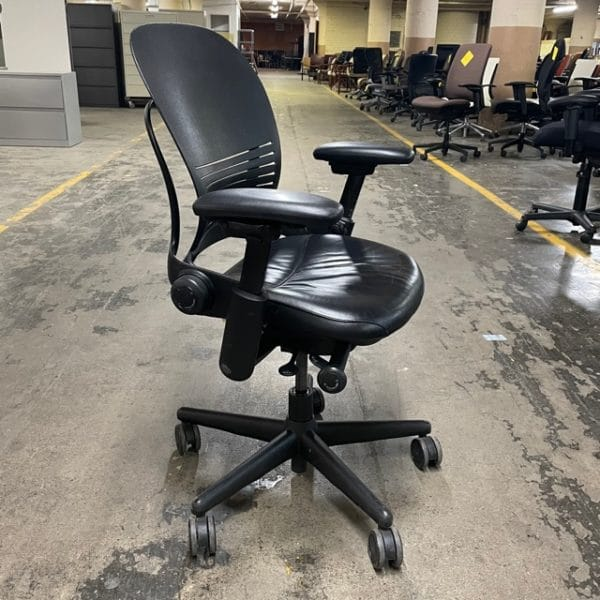 Steelcase Leap Chair V1 side