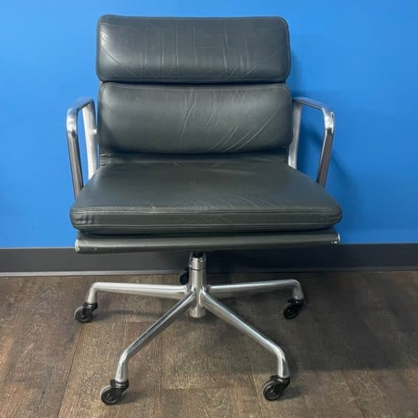 Herman Miller Eames Soft Pad Management Chair