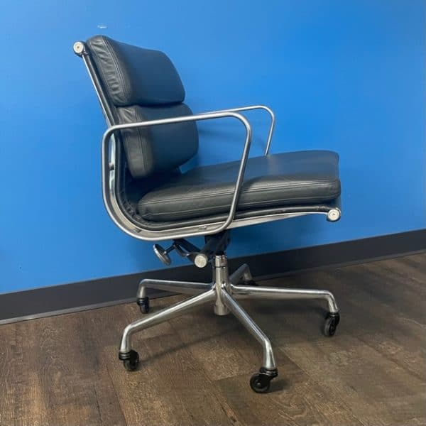 Herman Miller Eames Soft Pad Management Chair side