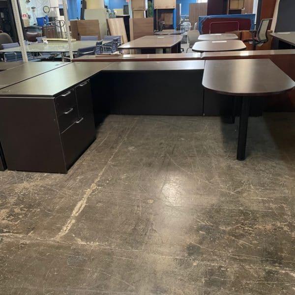 Laminate P-Top U-Shaped Desk