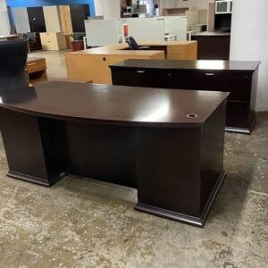 National Escalade Desk Set